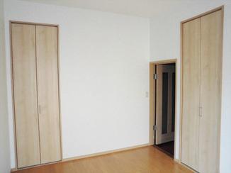 内装リフォーム 和室から洋室へ。大きなクローゼットで収納力もアップ