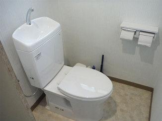 トイレリフォーム 掃除がしやすくて明るいトイレルーム