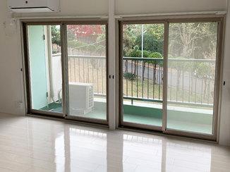 内装リフォーム ピッカピカな光沢が長持ちする床と年中快適に過ごせる断熱窓