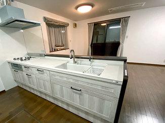 キッチンリフォーム 家族と楽しく過ごせる、開放的なLDKの住まい